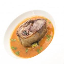 Noisette de selle d'agneaux, houmous de pois chiche, carottes à l'orange, caramel de betterave